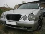 Mercedes-230E-6